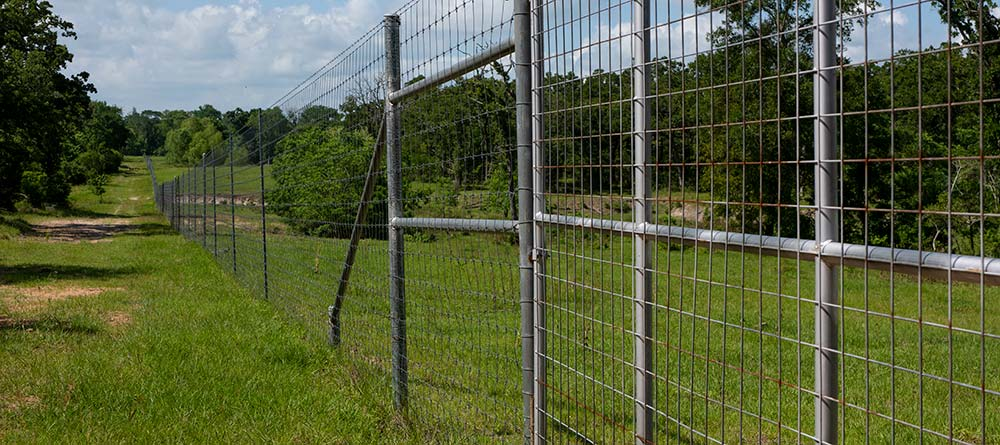 Quality Custom Fence Company Contact and Location Information